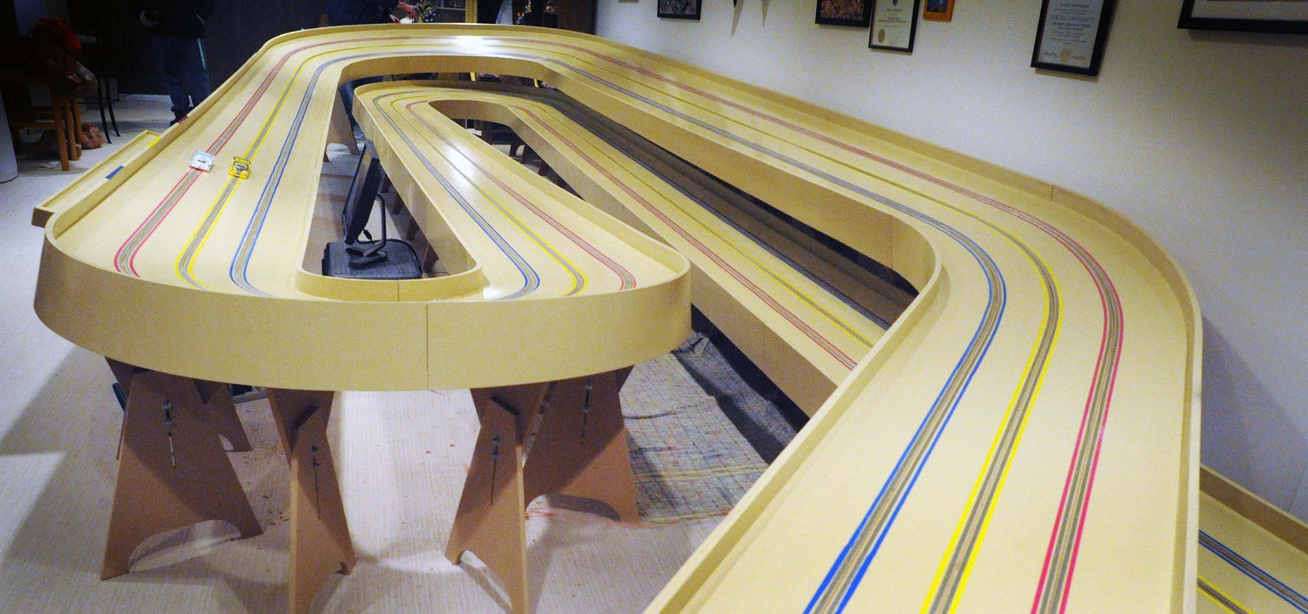 Topeka 4 lane home slot car track